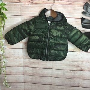 Baby Gap camouflage puffer jacket size 12-18M